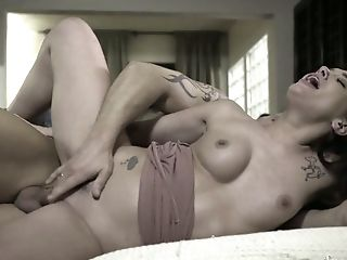 Ordinary Evening Is Made Hot By Lusty Gia Paige Sucking Her Bf's Dick Well