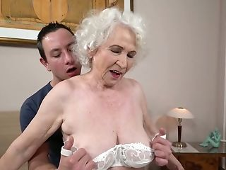 Fat Matures Tart Norma Is Actually Good Enough To Rail Dick On Top