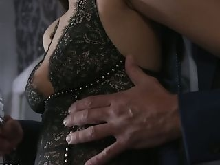 Enticing Nubile With Dimples Eliza Ibarra Loves Having Platinum-blonde Folded Bang-out
