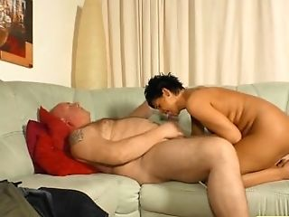 German Housewife In A Homemade Fuck Vid